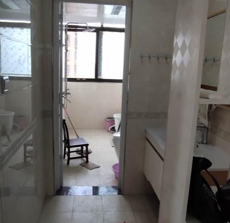 出租正基首府精装修!3室2厅1卫112平米2100元/住宅